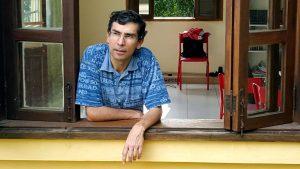 Ricardo Arias: «Los franceses ven a los partidos tradicionales como carcazas vacías»