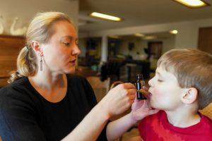 Γονείς που δίνουν θεραπευτική κάνναβη στα παιδιά τους με αυτισμό και επιληψία μίλησαν ανοιχτά για πρώτη φορά στην Ελλάδα