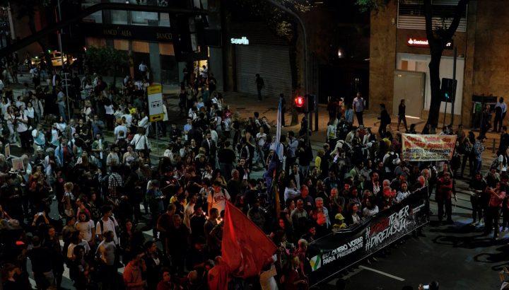 Brasileños salen a las calles reclamando por ¡Directas Ya!, después de 30 años