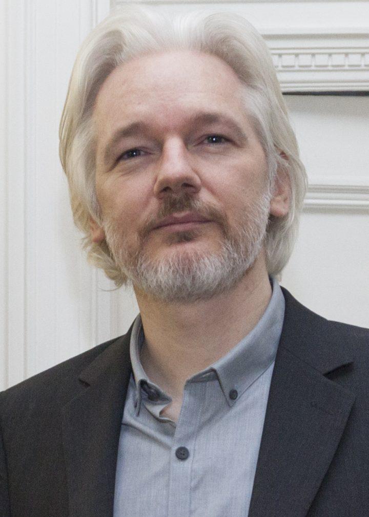 """Assange califica como victoria anuncio de Suecia pero afirma que """"es el inicio de la guerra"""""""