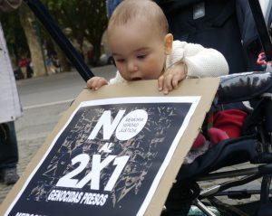 Rom: Proteste vor der argentinischen Botschaft gegen das 2×1 Urteil