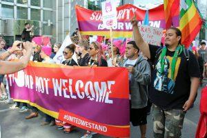 Βρυξέλλες: Όχι στο ΝΑΤΟ, Όχι στον Τραμπ