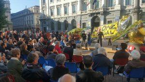 Nessuna persona è illegale: assemblea in piazza Scala a Milano