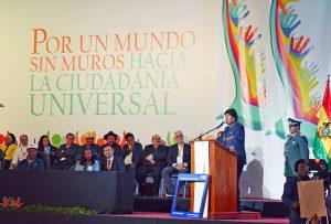 Evo Morales abre conferencia por un mundo sin muros