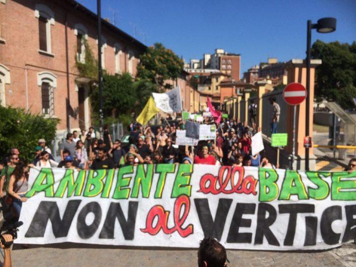 Tutti insieme per l'ambiente, contro i G7