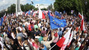 Polonia: una legge contro l'indipendenza del settore giudiziario. Verso l'autoritarismo?