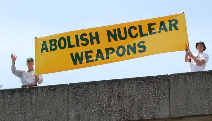 Risultati immagini per bando armi nucleari