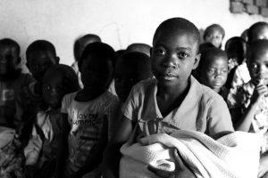 Chokorà: i bambini di Nairobi che trasformano i rifiuti in strumenti musicali