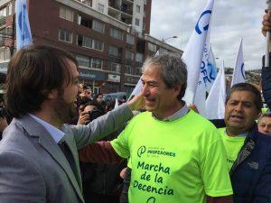 Llega a Valparaíso la Marcha de la Decencia de los profesores chilenos