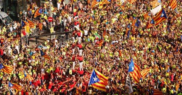 """Catalogna, manifesto """"Siamo difensori"""""""