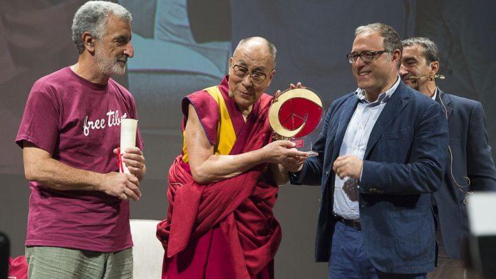 La lezione umanista e universale del Dalai Lama