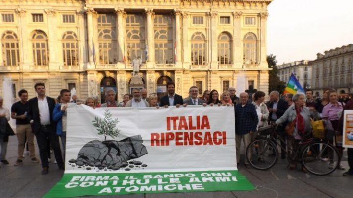 Presidio a sostegno del disarmo nucleare a Torino