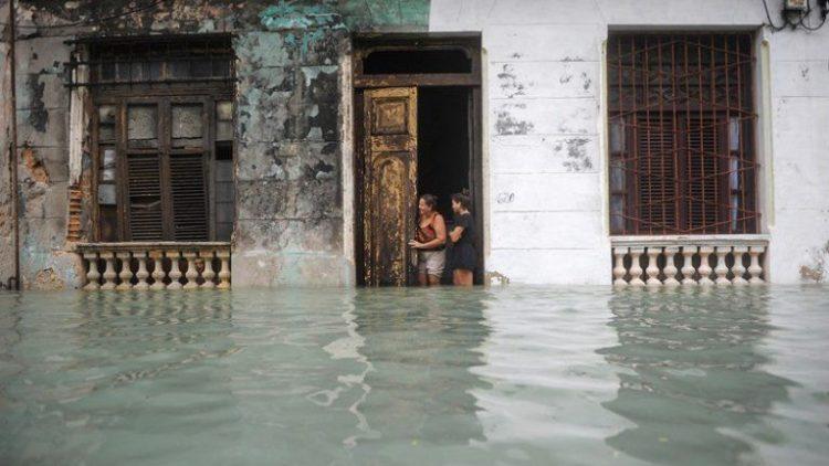 Habana-bajo-agua12-AFP-768×497