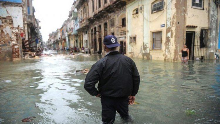 Habana-bajo-agua13-AFP-768×511