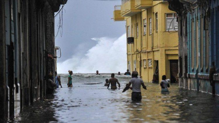 Habana-bajo-agua7-AFP-768×513