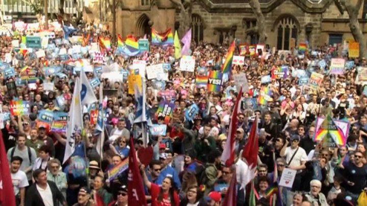 Australia, enorme manifestazione per i diritti LGBT
