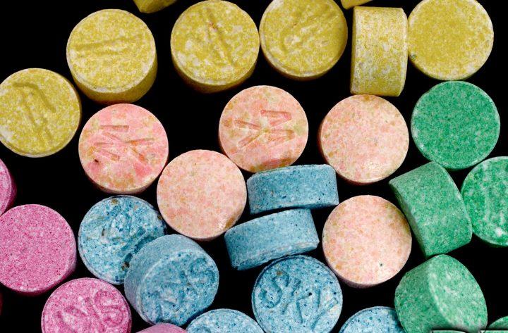 Η «άχρηστη» πληροφορία της εβδομάδας αφορά το MDMA