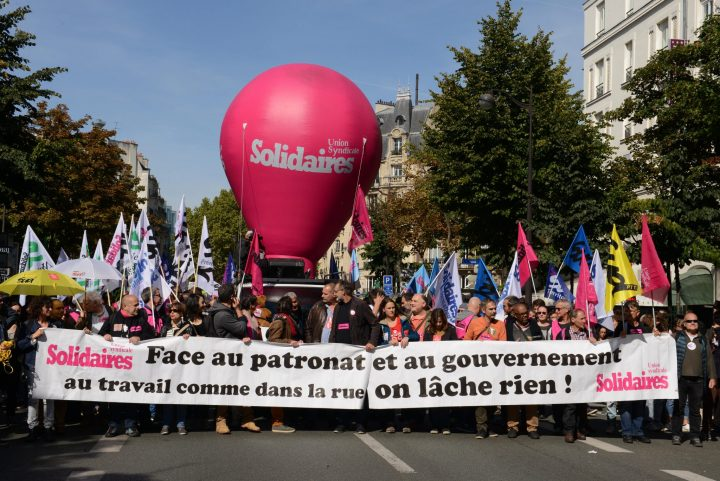 De nouveau les français sortent dans les rues pour protester contre la loi travail