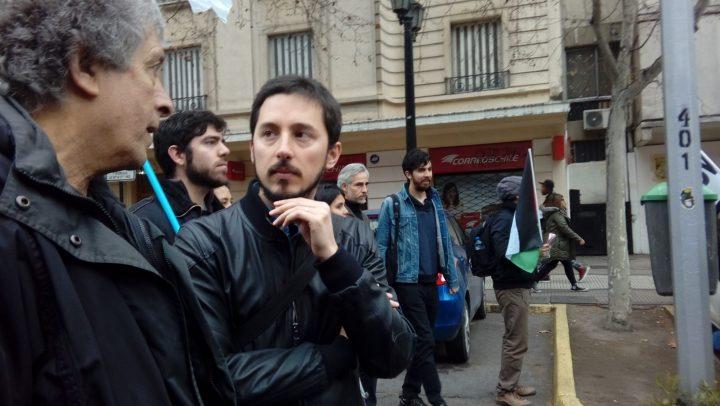 """""""Un Estado democrático no puede vigilar a la ciudadanía"""": Rechazo a """"decreto espía"""" llega hasta Contraloría"""