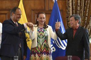 """Lenín Moreno saluda """"un paso más hacia la paz"""" en Colombia"""