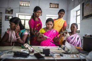 Ingegneri solari analfabete: le Solar Mamas e l'innovazione dal basso