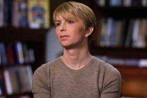 Niegan entrada a Canadá a exanalista estadounidense Manning