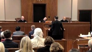 La Corte Federal de Estados Unidos golpea la prohibición de viajar de Trump