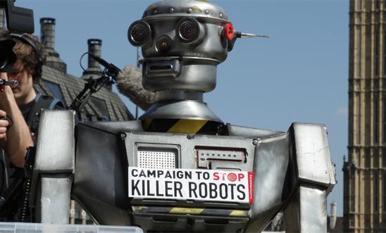 """""""Lo que es artificial es la violencia y nosotros, con la inteligencia humana,podemos superarla"""": a propósito de los """"killer robots"""""""