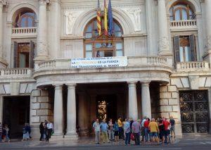 Celebración del Día Internacional de la No Violencia en Valencia, España