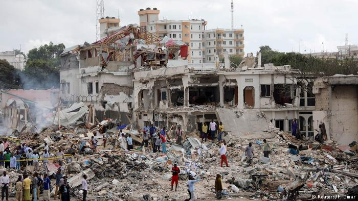 Na Somália: Explosão de dois Caminhões-bomba abala Tragédia em Mogadiscio