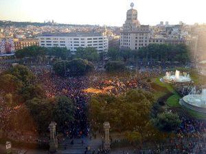 """Lo Stato fascista spagnolo """"perde"""" la testa in Catalogna"""
