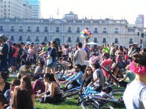 En concierto a Violeta Parra, mosaico del nuevo pueblo de Chile: Identidades