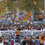 Manifestació per l'alliberament de Cuixart i Sànchez, dignitat enfront totalitarisme