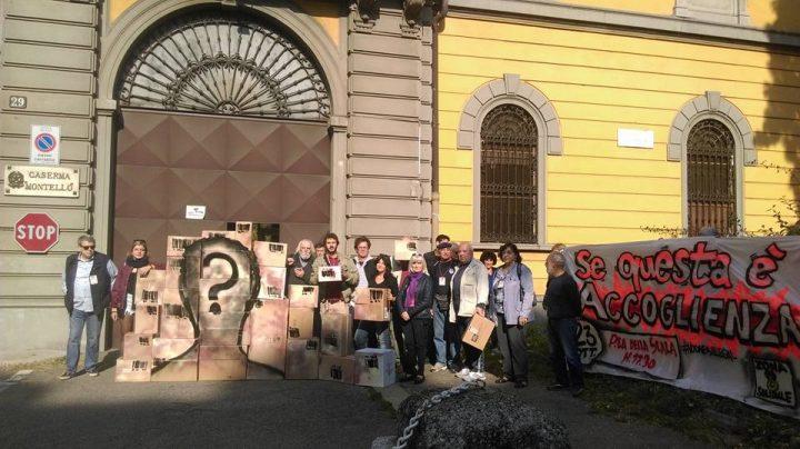 Milano, protesta davanti alla caserma Montello: