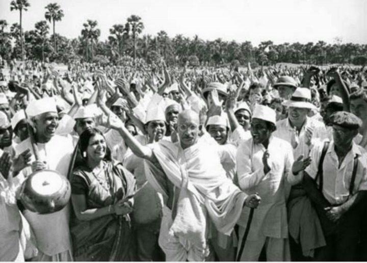 India rinde homenaje a Mahatma Gandhi en aniversario de su nacimiento