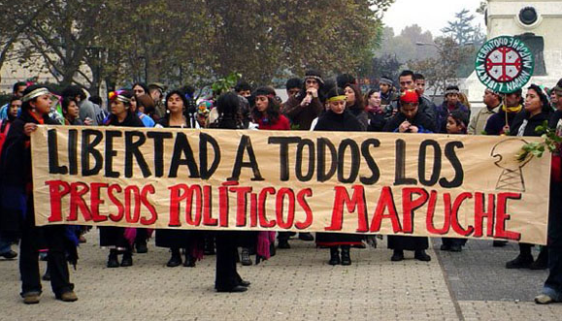 Risultati immagini per papa francesco dai mapuche