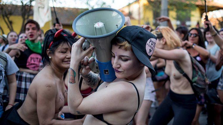 marcha-megáfono Lucía Prieto-Luciana Leiras lavaca