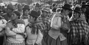 Por que o neoliberalismo avança pela América Latina?
