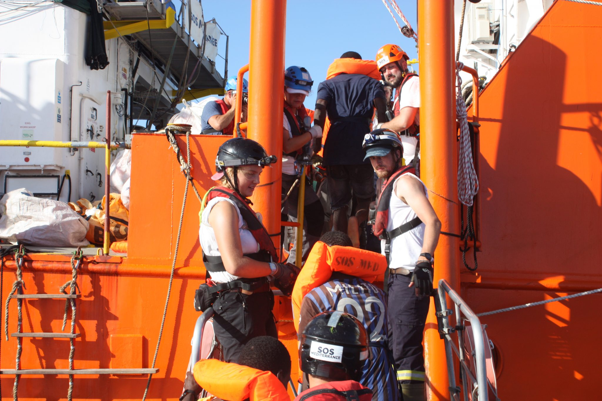 Arriva a Palermo la nave dei bambini: 241, mai così tanti