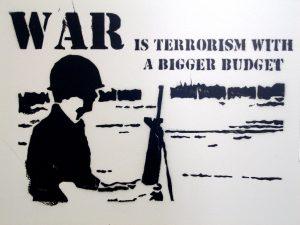 """""""Mache die Lüge groß…"""" – EU und USA schaffen Nährboden des Terrors"""