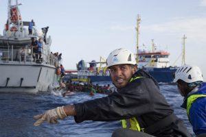 Ertrunkene Flüchtlinge durch libysche Küstenwache
