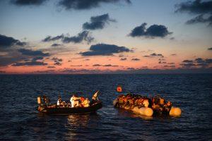 El infierno que viven los refugiados en Libia: las justificaciones de Italia ante los cargos de la ONU los auto-incriminan