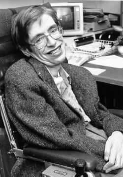 Stephen Hawking se une a una demanda para frustrar la reorganización del NHS del gobierno británico