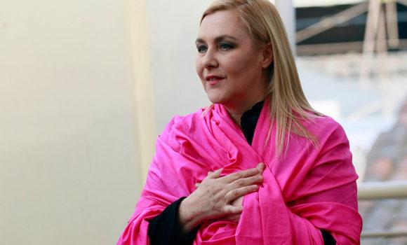 """Pamela Jiles: """"Nadie tiene dudas de que soy la más queer de los referentes de opinión"""""""