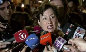 In Chile, Guillier wins support from Beatriz Sánchez