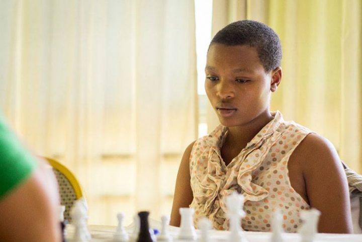 Ruanda: Schach auf den Hinterbänken