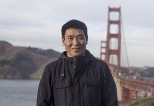 Regista tibetano ex prigioniero di coscienza si riunisce alla sua famiglia
