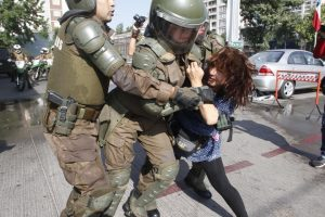 Cile/Visita del Papa. Repressione della polizia e arresti durante la Marcha de los Pobres a Santiago