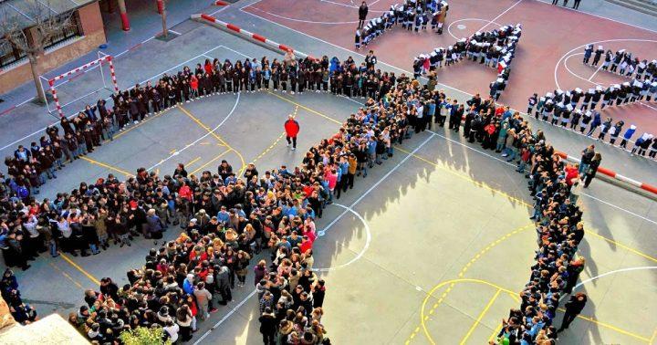 30 de enero: Invitación a realizar símbolos humanos de la paz y la noviolencia en los centros educativos