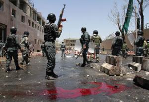6 ucraini e due piloti venezuelani sono tra i 43 morti nell'attacco all'hotel a Kabul